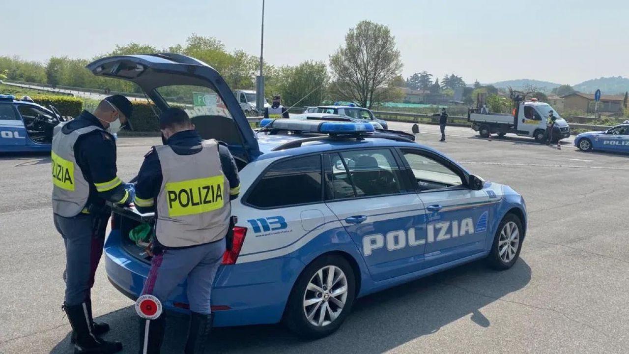 Anche gli agenti fuori servizio possono multare gli automobilisti: la sentenza