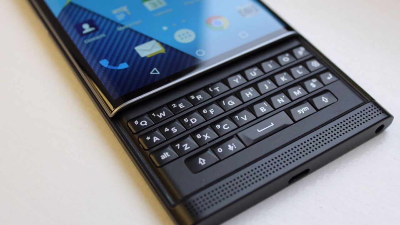Anche Facebook dice addio a BlackBerry