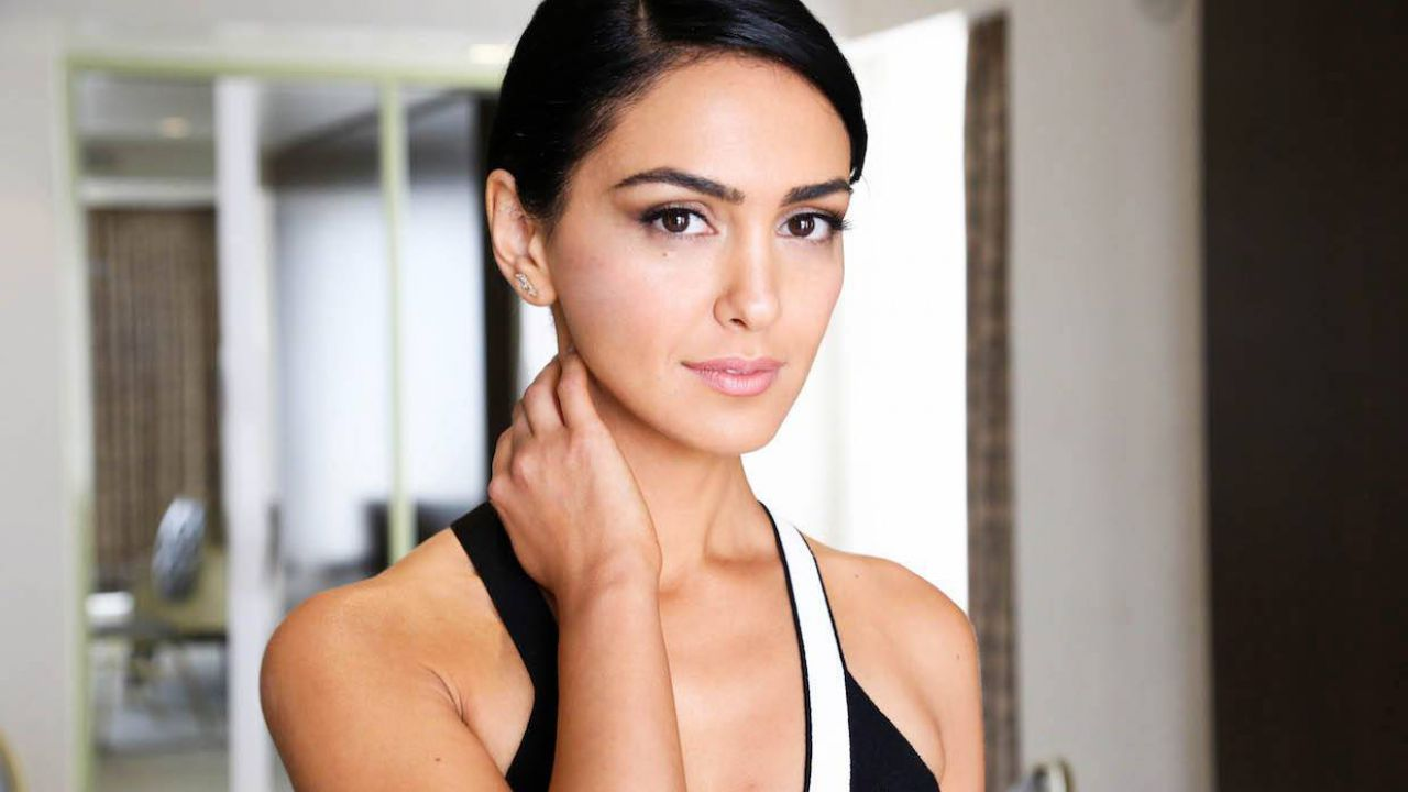 https://images.everyeye.it/img-notizie/anche-nazanin-boniadi-cast-film-fox-news-roger-ailes-v3-352520-1280x720.jpg