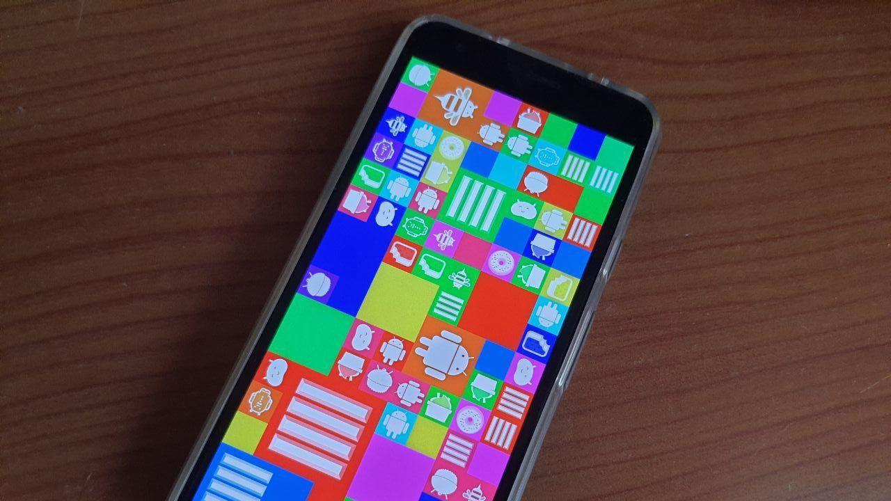 Android 11 ha una pagina nascosta della versione 4.4 KitKat e un 'Flappy Bird' integrato