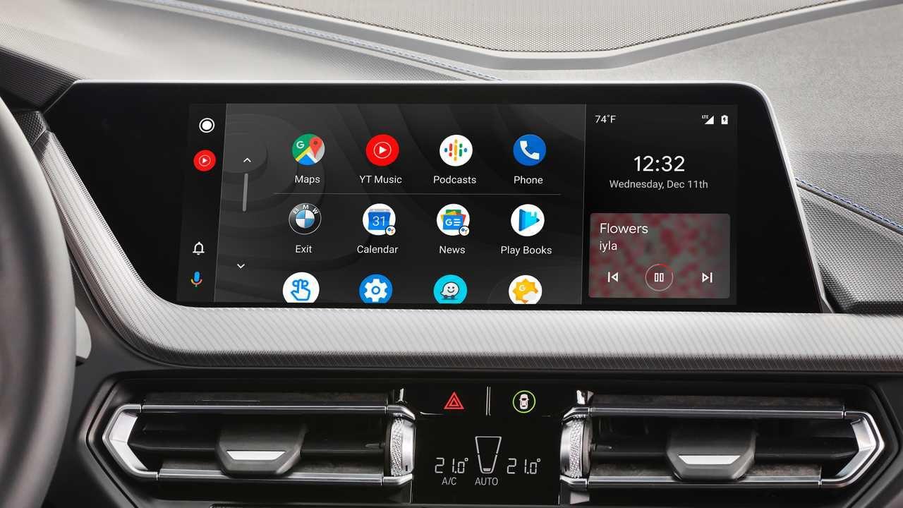 Android Auto e Apple Car Play più pericolosi dell'alcol: lo studio
