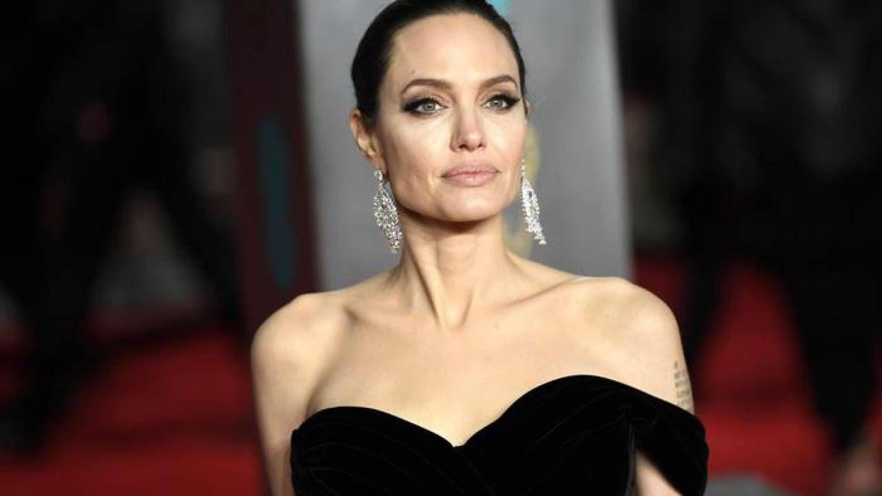 Angelina Jolie regista di Captain Marvel 2? I fan rispondono