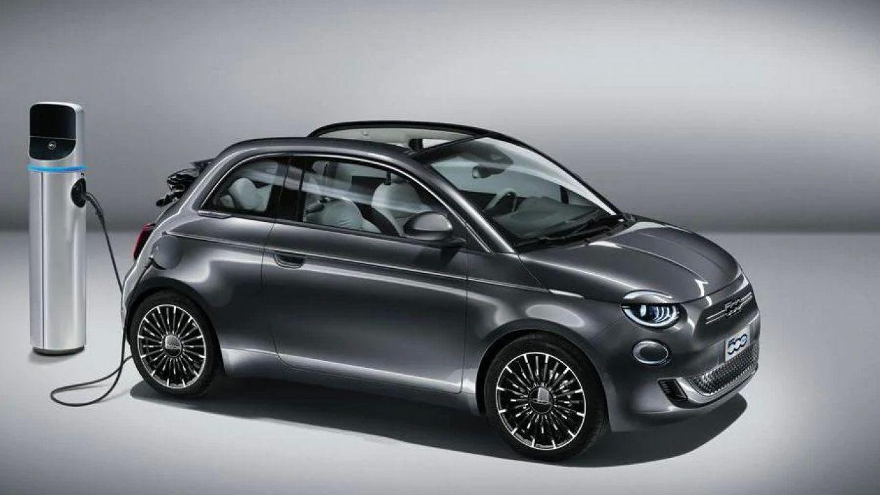 Nuova Fiat 500 Anteprima-foto-nuova-fiat-500-elettrica-presentazione-ufficiale-v3-430892-1280x720