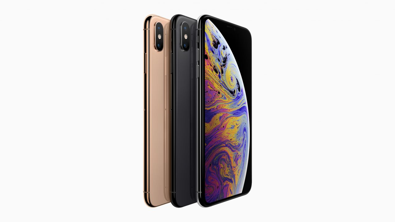 Apple accusata di sessismo: 'gli iPhone XS sono troppo grandi per le mani femminili'