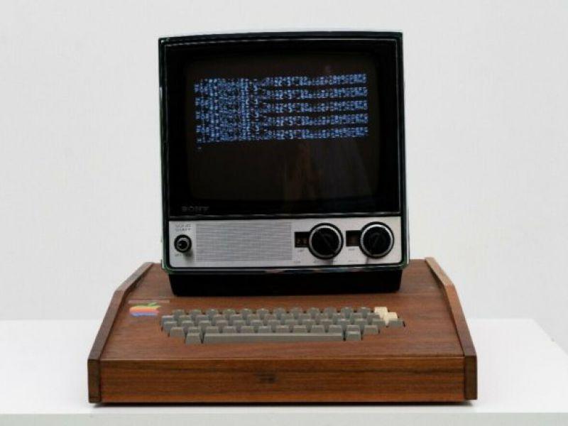 Apple I costruito da Steve Jobs e Wozniak appare su eBay a 1,5 milioni di Dollari