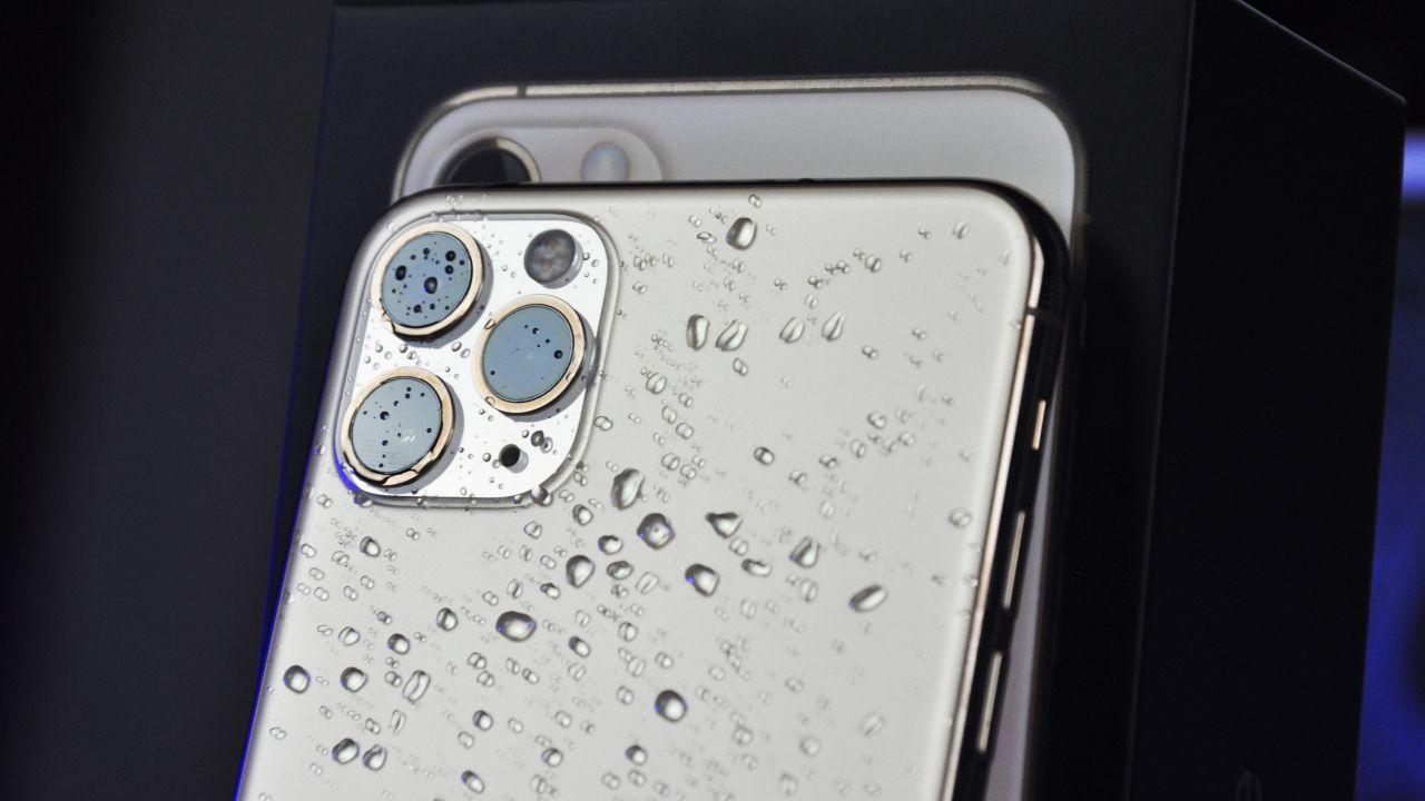 Apple, multa in Italia da 10 milioni di Euro per la resistenza all'acqua degli iPhone