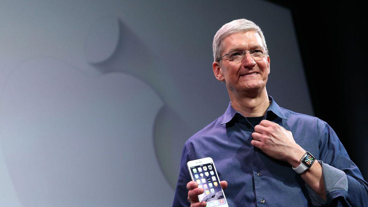 Apple record storico nei risultati trimestrali, ma le previsioni rallentano