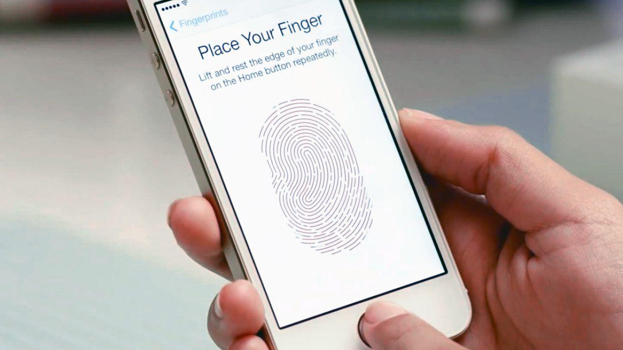 Apple avrebbe voluto integrare il Touch ID nell'iPhone X