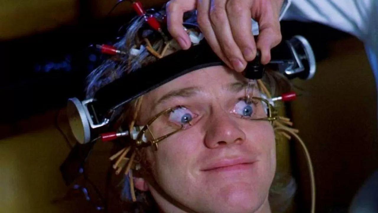 Arancia Meccanica, anestesie e cornee graffiate: che incubo per Malcolm McDowell!