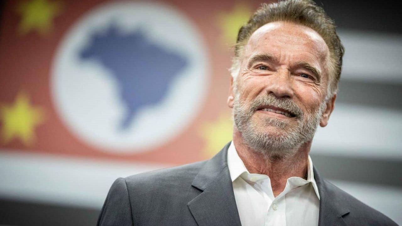 Arnold Schwarzenegger ci salverà dagli alieni: lo ha detto un sondaggio in Gran Bretagna