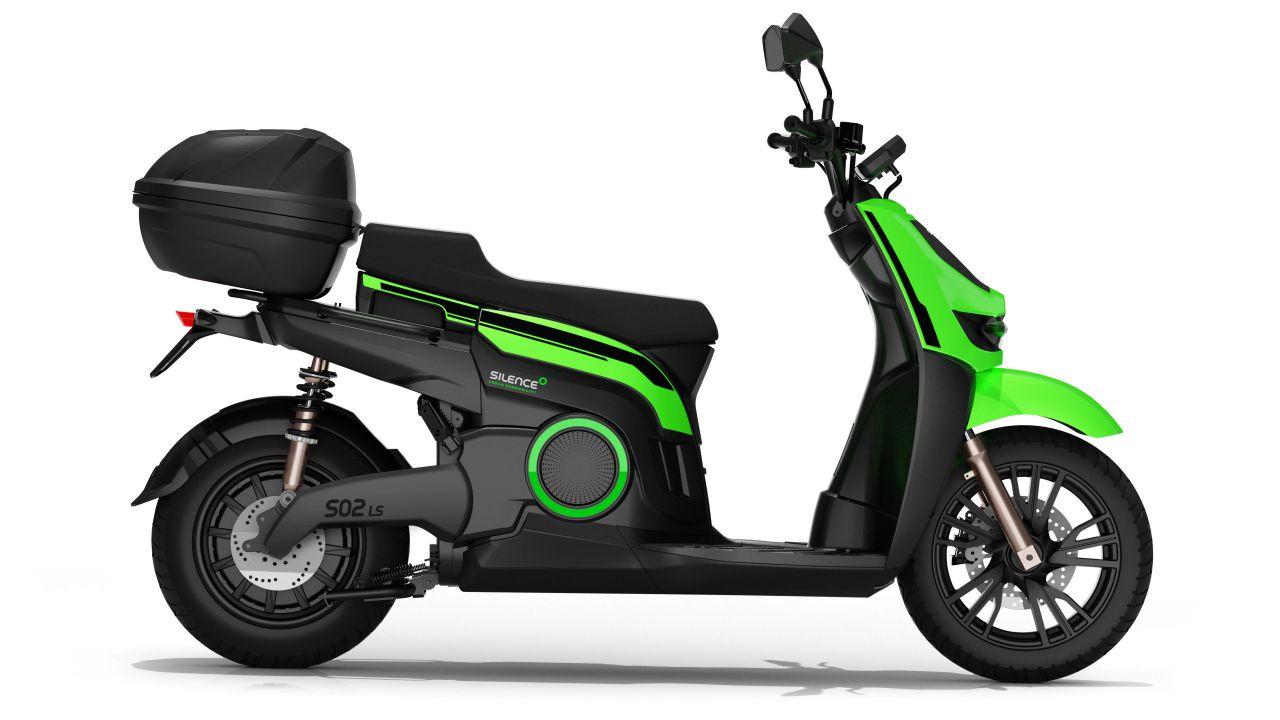 Arriva in Italia lo scooter elettrico Silence S02 Low Speed con batteria da 2 kWh
