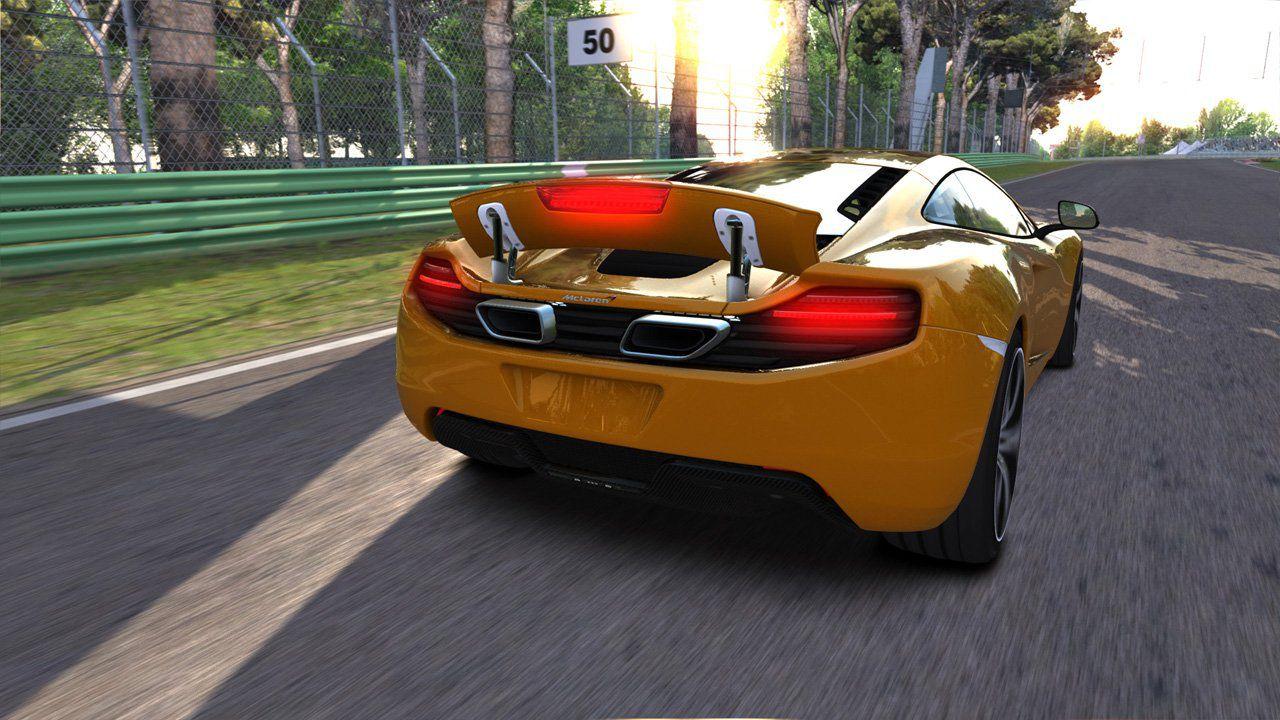 Assetto Corsa uscirà a febbraio su Xbox One e PS4?