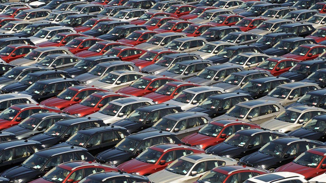 Assicurazione auto: Napoli e Prato le città più care, stangata per gli Under 25