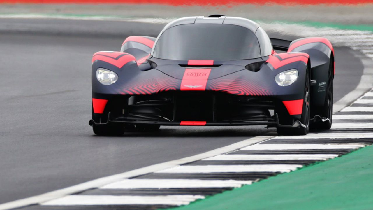 Aston Martin spiega perché non correrà alla Le Mans 24 Ore con la Valkyrie