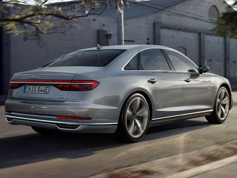 Audi A8 ibrida: ecco i dettagli sul range dell'ammiraglia tedesca