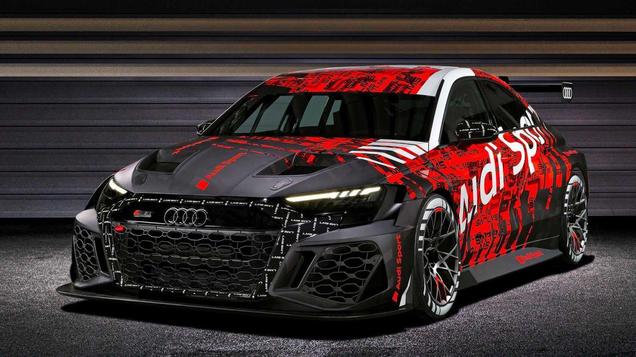 Audi RS3 LMS: la berlina estrema debutta con 340 CV e un enorme alettone
