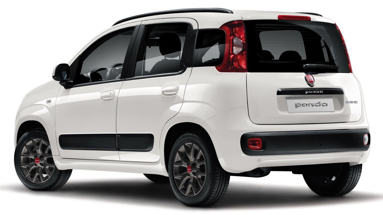 Auto, a Luglio è ancora la Panda la macchina più venduta in Italia, calo del diesel