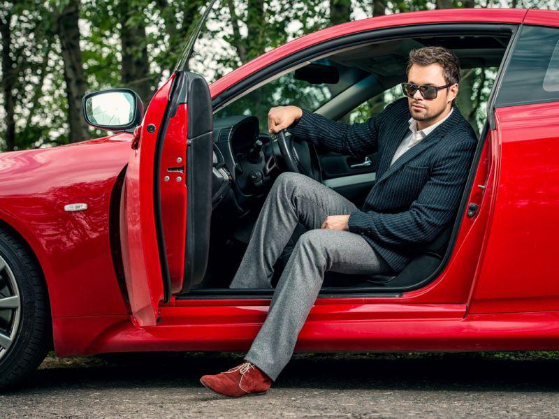 Automobili e Tinder: uno studio rivela il modello più efficace per far colpo