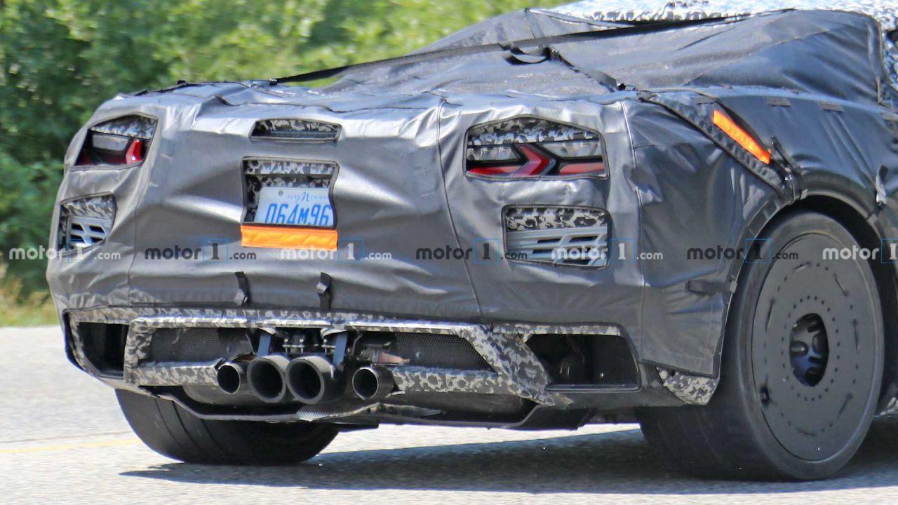 Avvistato un chiassoso esemplare di Corvette Z06 a scarico centrale