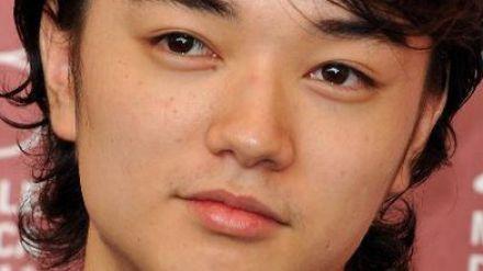 Shota Sometani nel cast del film tratto dal manga di Tsugumi Ohba e - bakuman-shota-sometani-nel-cast-del-film-tratto-dal-manga-di-tsugumi-ohba-e-takeshi-obata-209714-440x16