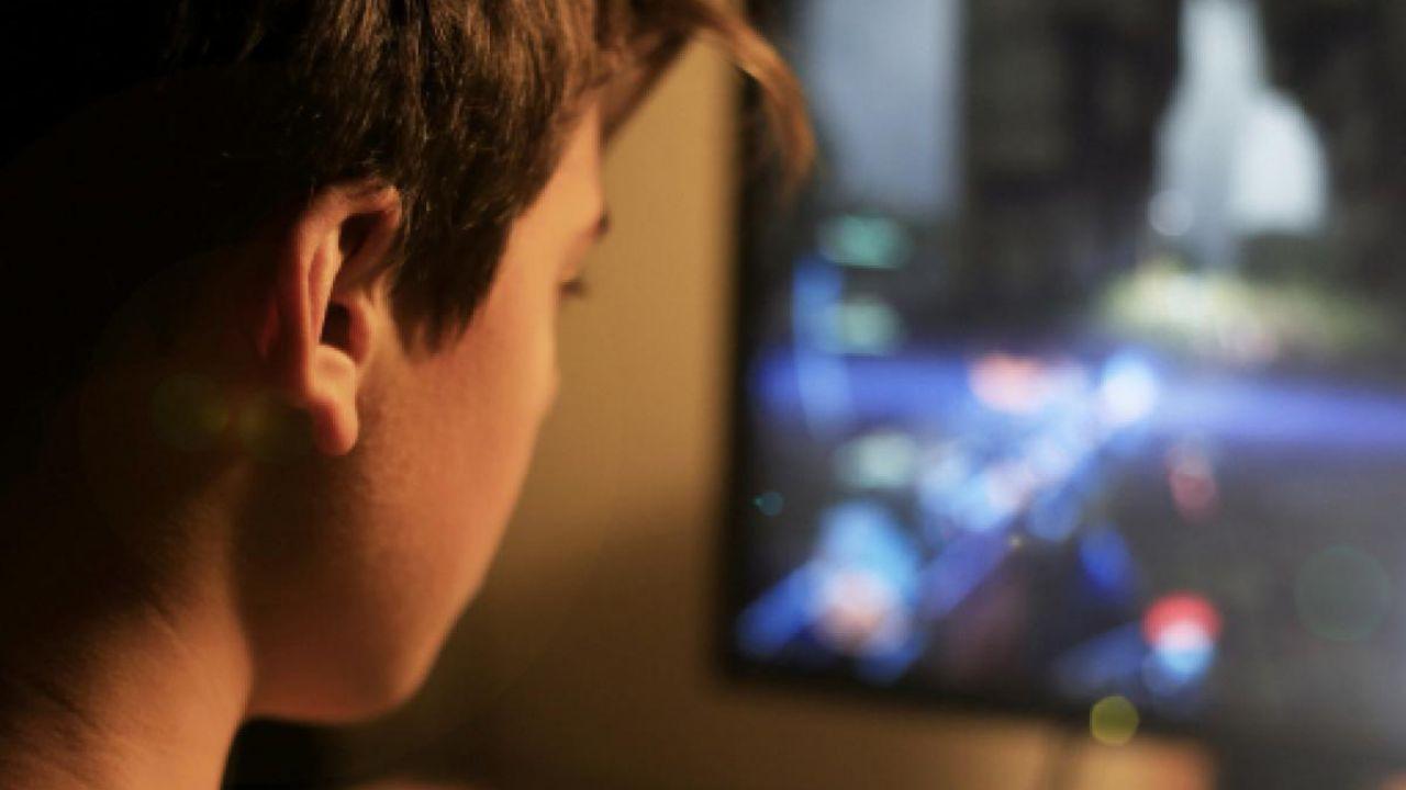 Bambina di 10 anni fa 'Black Out Challenge' di TikTok: ricoverata in coma a Palermo