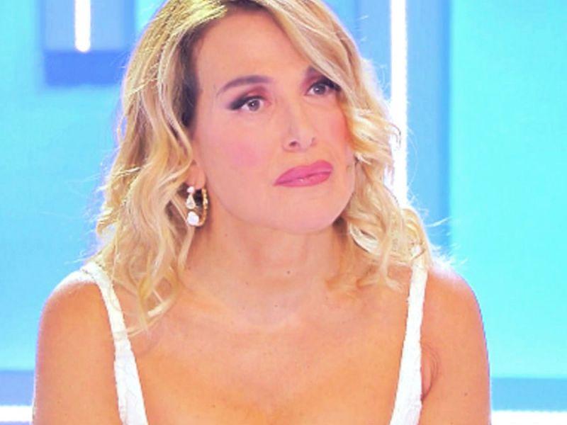 Barbara D'Urso prima di Live: 'mi rifiuto di fare un video contro l'omofobia'