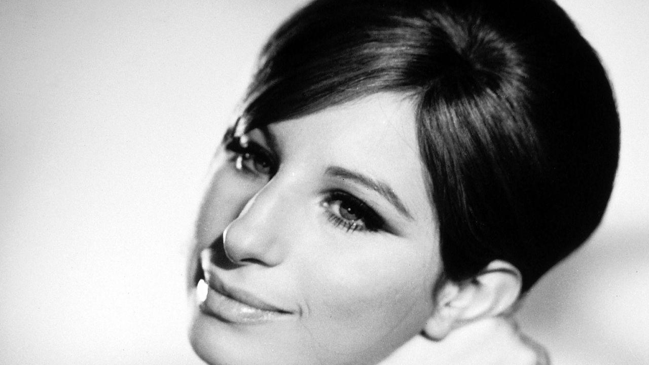 Barbara Streisand svela la data di lancio di iOS 10
