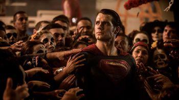 Batman v Superman uscirà in Cina in contemporanea, nuovo banner, score e trailer in arrivo