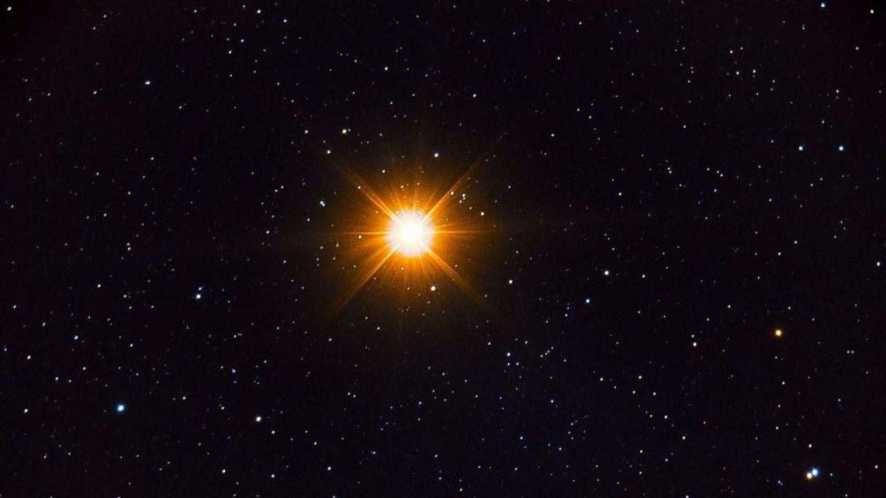 Betelgeuse: la magnitudo della stella è la più debole registrata in 125 anni