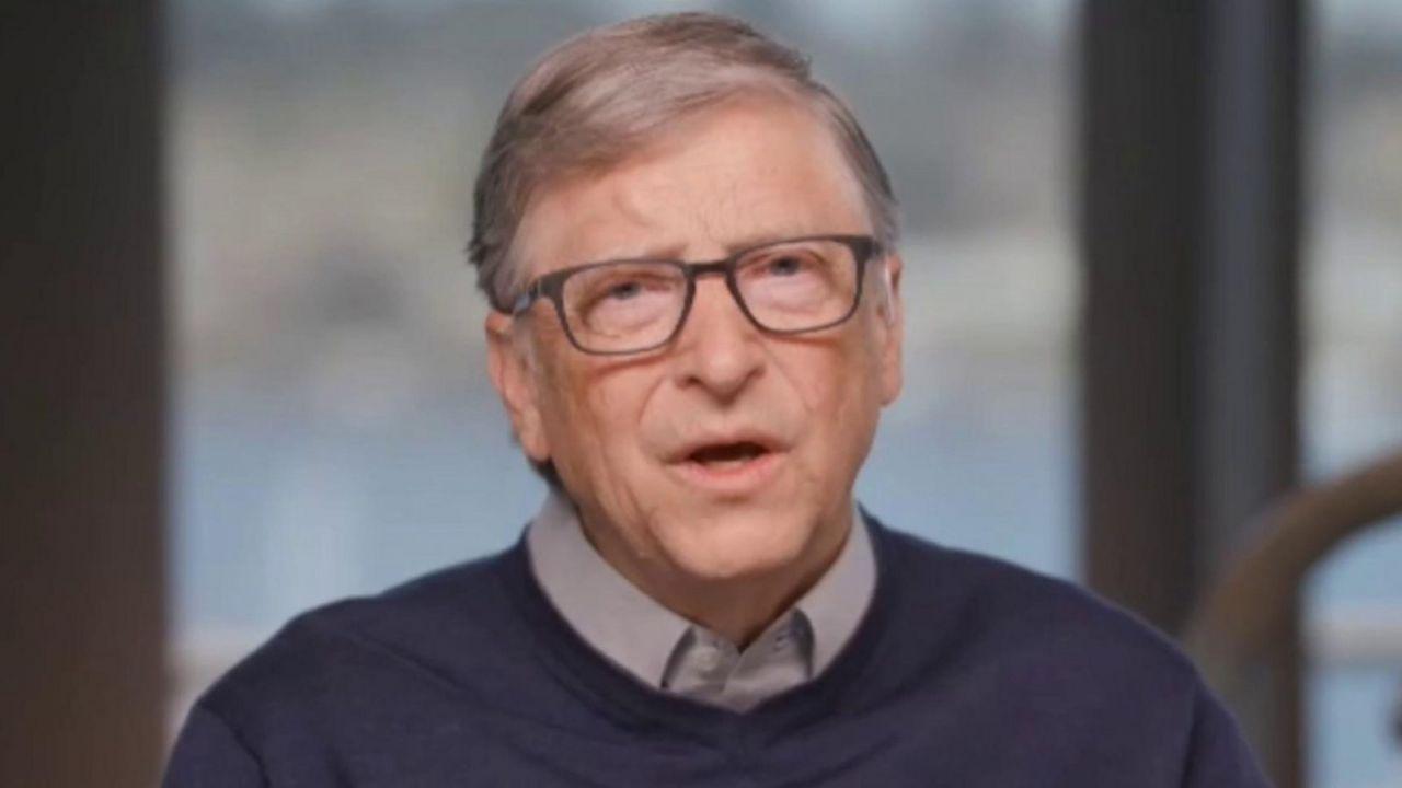 Bill Gates boccia il Tesla Semi: 'La propulsione elettrica non è adatta'