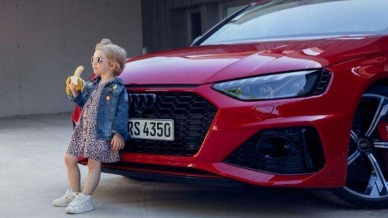 Bimba bionda che mangia una banana: Audi ha subito ritirato lo spot
