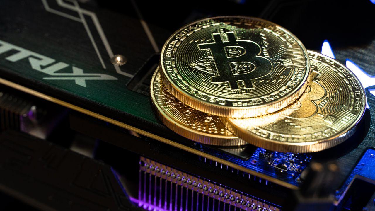 Bitcoin infrange l'ennesimo record: superata la soglia dei 61.000 dollari