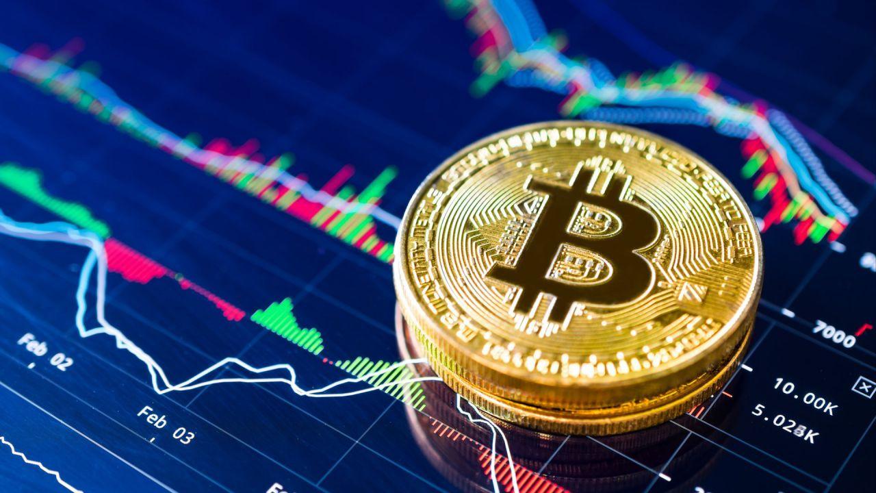 Bitcoin da record: superati i 16.000 dollari per la prima volta dopo tre anni