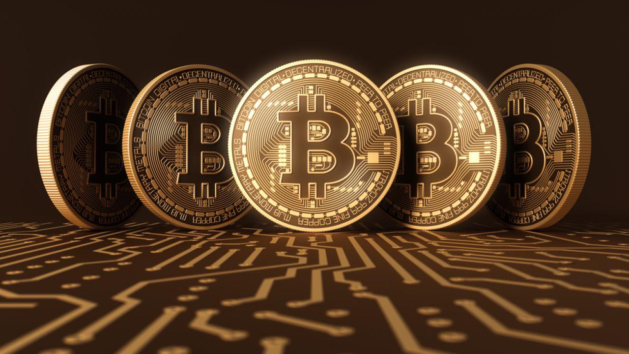 Bitcoin supera i 7500$ e il mercato sfonda i 200 miliardi di capitalizzazione