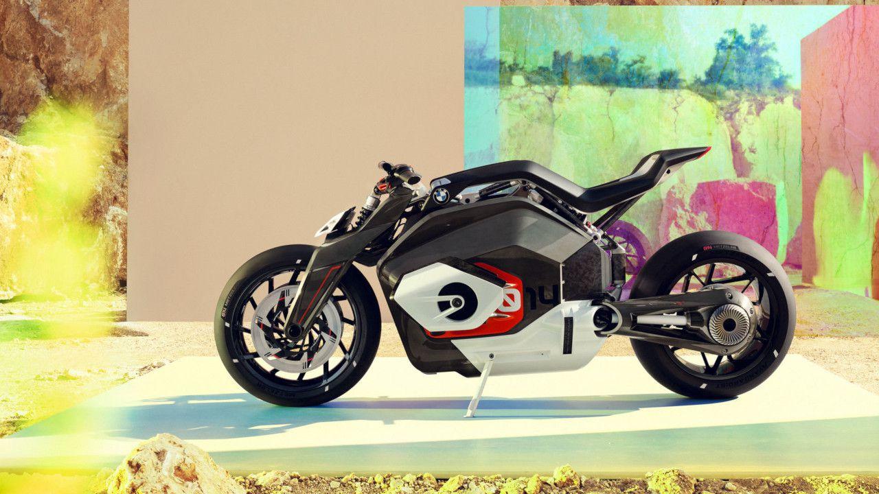 BMW potrebbe vendere la sua estrema Vision DC Roadster 100% elettrica