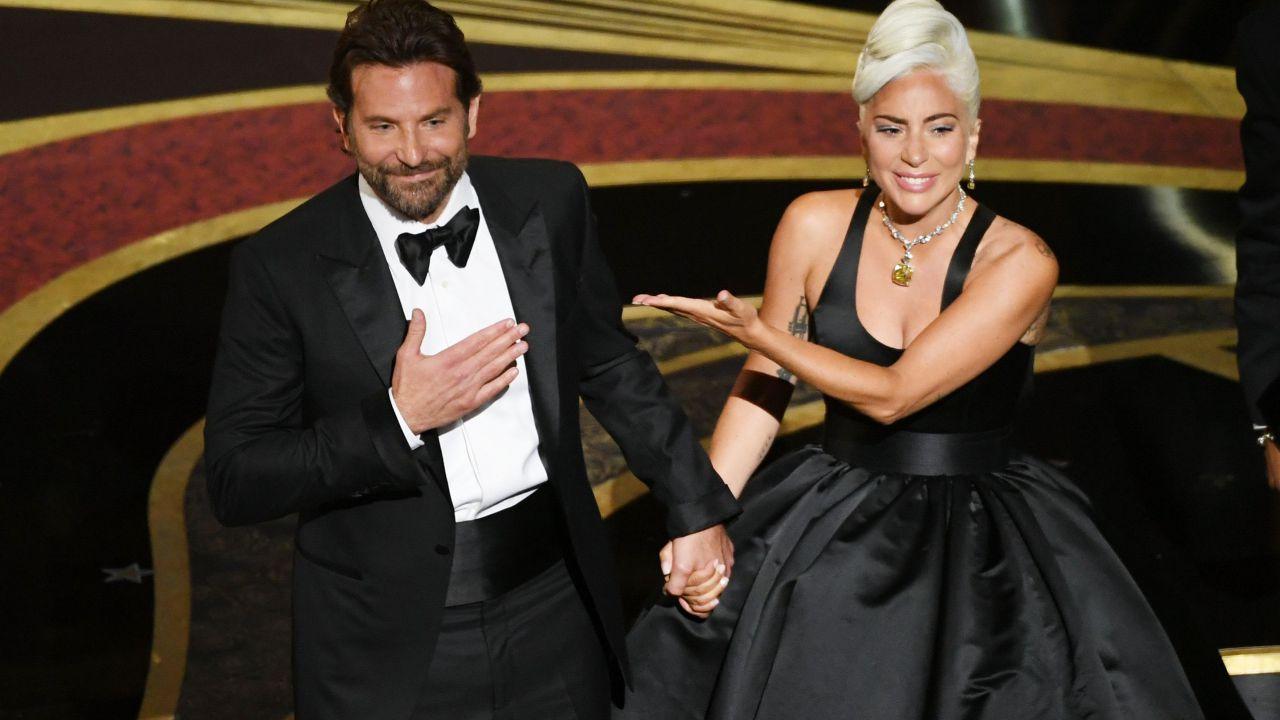 Bradley Cooper e Lady Gaga insieme alle isole Eolie: i rumor della love-story sono veri?
