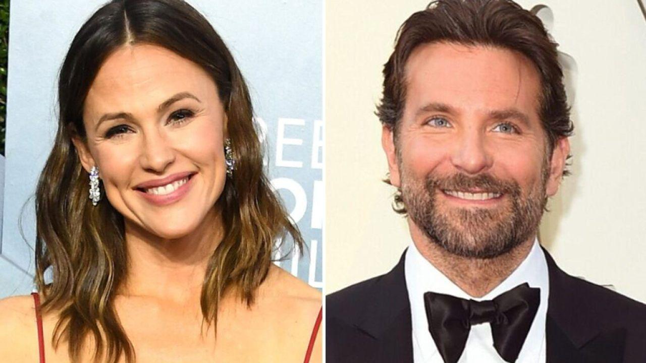Bradley Cooper, la star in spiaggia con Jennifer Garner: l'amicizia è diventata amore?