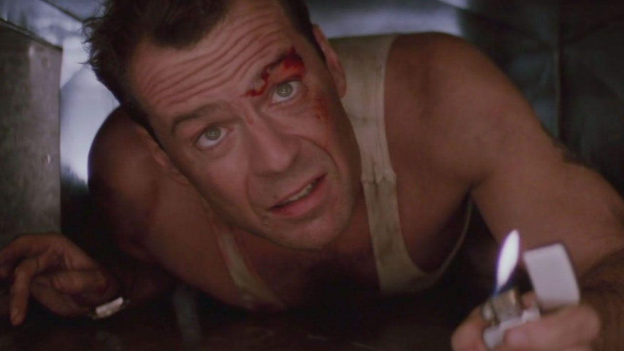 Bruce Willis eroe e papà: la tenera foto ricordo dal set di Die Hard