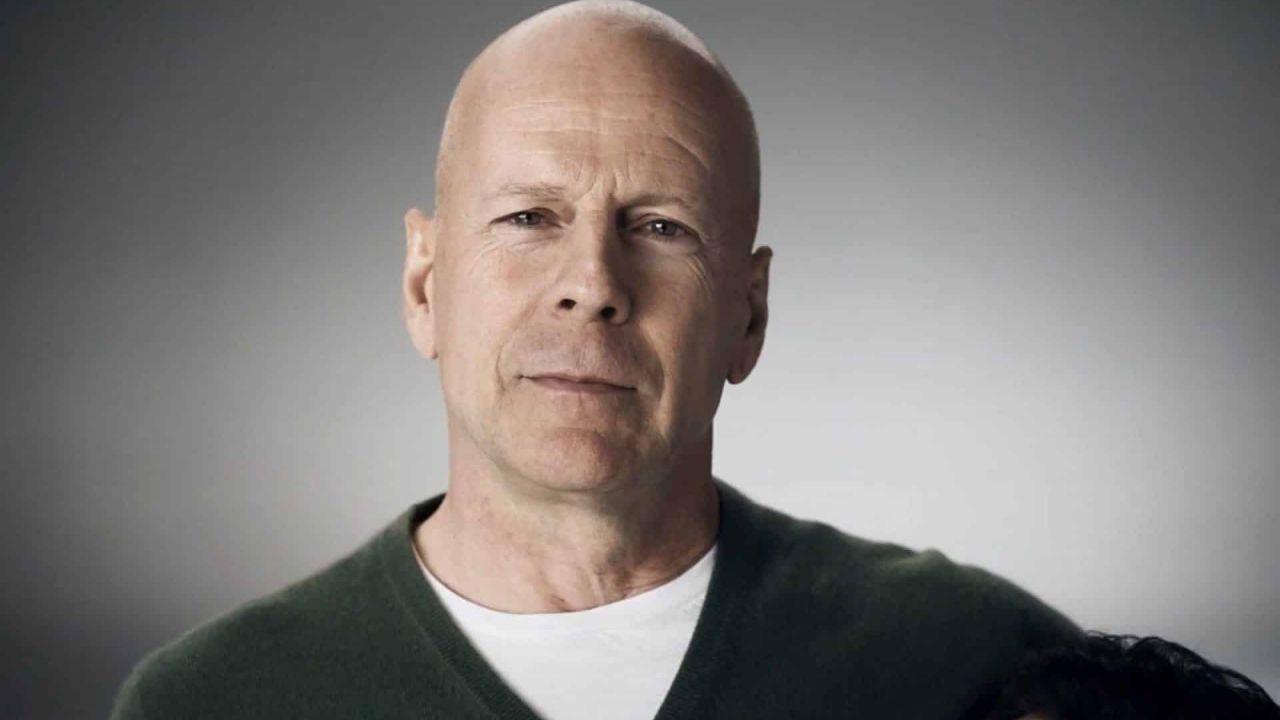 Bruce Willis ha imparato la lezione: 'Ho sbagliato, indossate sempre la mascherina'