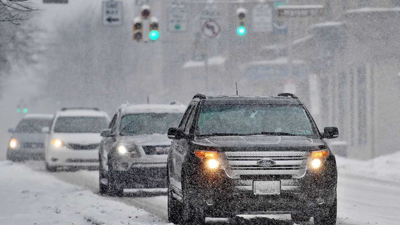 Bufera di neve in USA: Stellantis, Ford e GM riducono la produzione