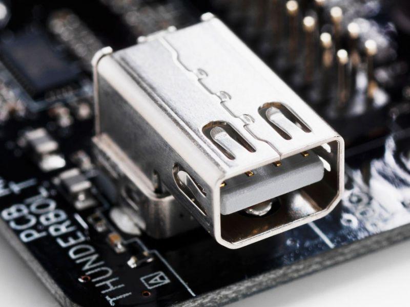 Bug di sicurezza nelle porte Thunderbolt: come scoprire se il vostro PC è interessato