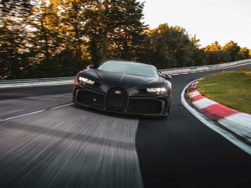 Bugatti ci mostra l'indomabile Chiron Pur Sport mentre ruggisce al Nürburgring