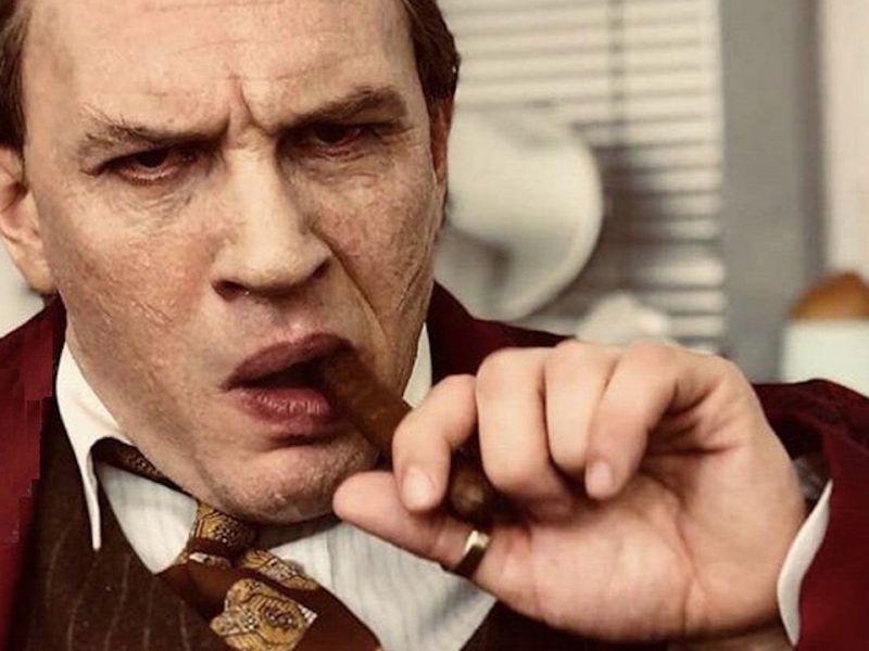 Capone, incassi record per il film con Tom Hardy: quando arriverà in Italia?