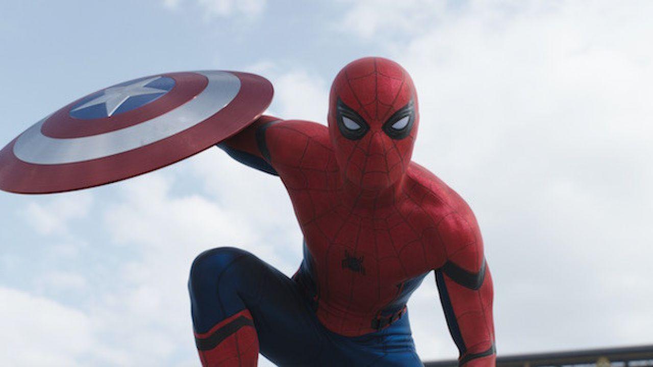 Valentino Rossi presenta una sfida ispirata a Captain America Civil…