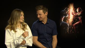 Captain America: Civil War, video-intervista esclusiva a Elisabeth Olsen e Jeremy Renner