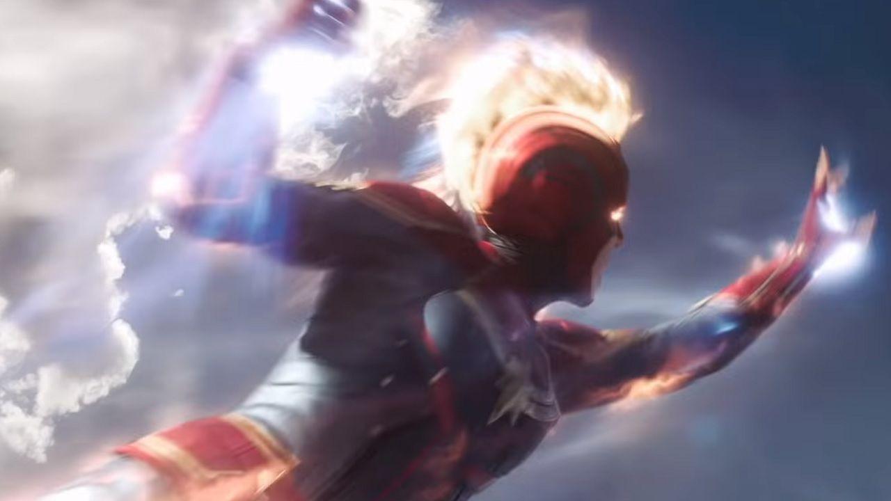 Captain Marvel pervasa di energia fotonica nei bellissimi poster Mondo