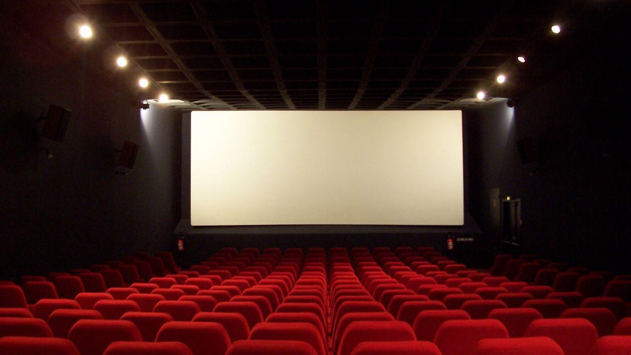 Cinema e Coronavirus: ingressi limitati, ma in alcune regioni è chiusura totale