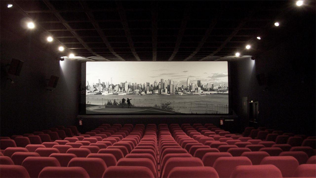 Cinema, si torna in sala anche in Italia: le date ufficiali