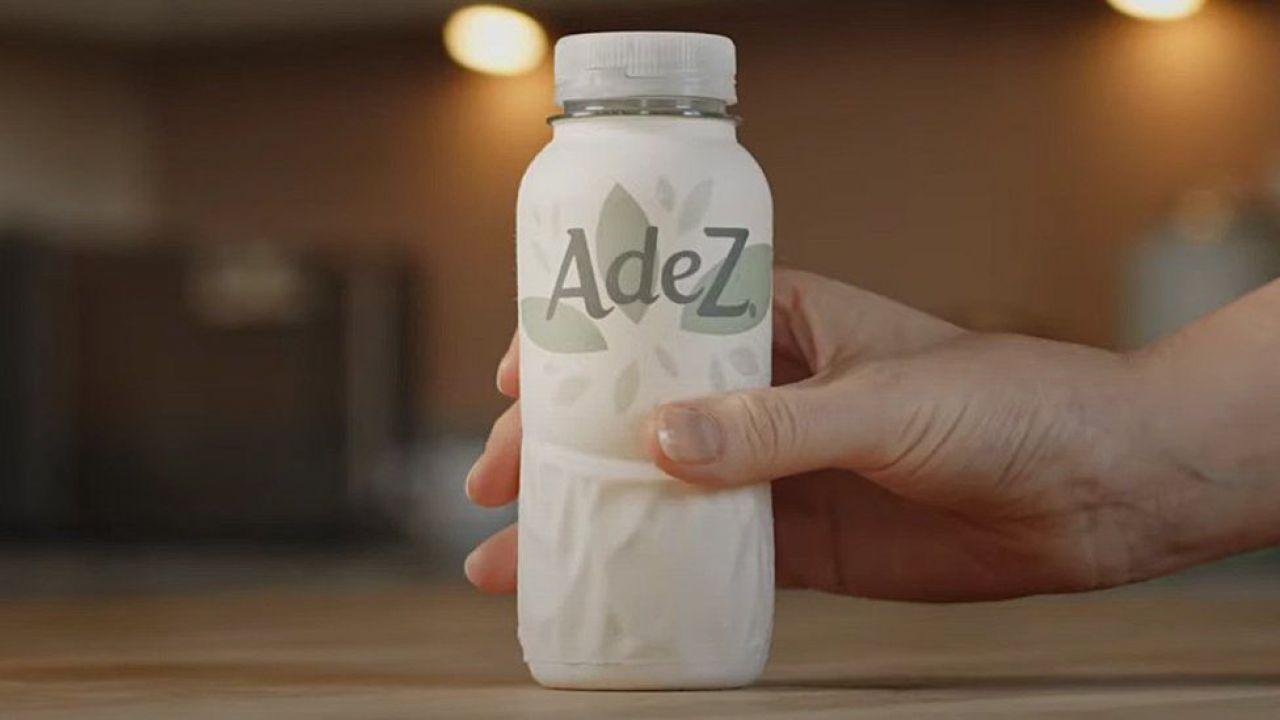 Coca-Cola dice di no alla plastica e sperimenta la prima bottiglia di carta