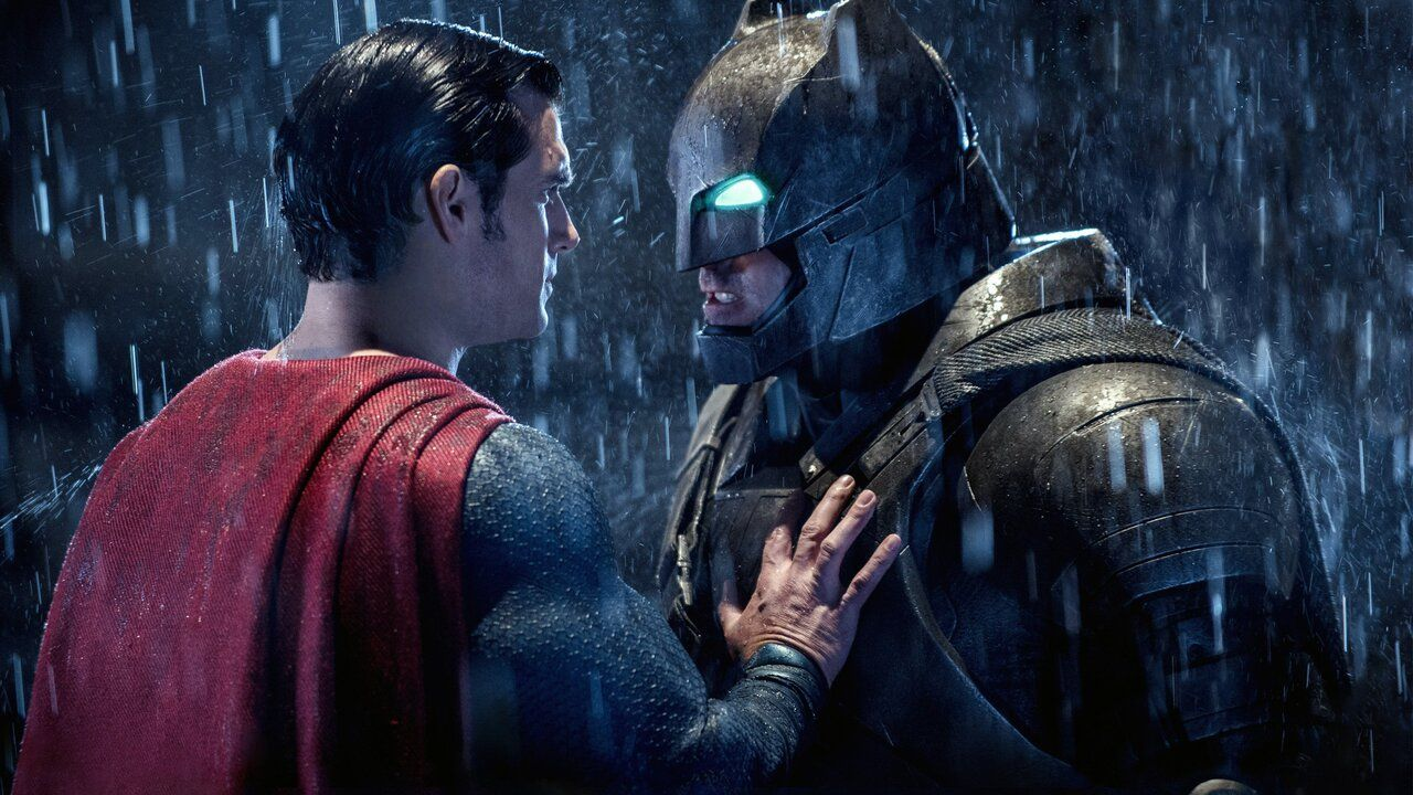 Come vedere Batman v Superman? Guida allo streaming del film di Zack Snyder